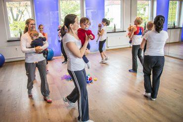 fitdankbaby® MAXI für Mamas mit Babys ab 8 - ca. 16 Monaten @ Nadjas Fitnesswelt